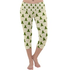 Leaf Pattern Green Wallpaper Tea Capri Yoga Leggings