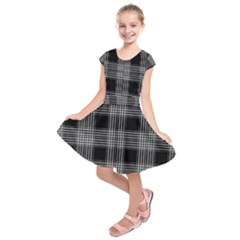 Plaid Checks Background Black Kids  Short Sleeve Dress