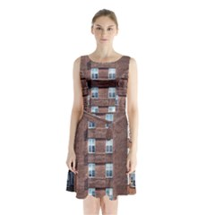 New York Building Windows Manhattan Sleeveless Chiffon Waist Tie Dress