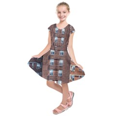 New York Building Windows Manhattan Kids  Short Sleeve Dress