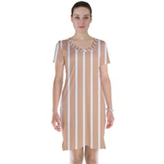 Symmetric Grid Foundation Short Sleeve Nightdress