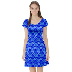 Neon Circles Vector Seamles Blue Short Sleeve Skater Dress