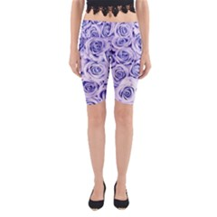 Electric White And Blue Roses Yoga Cropped Leggings