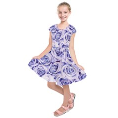 Electric white and blue roses Kids  Short Sleeve Dress