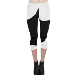 English Springer Spaniel Silo Black Capri Leggings
