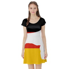 German Wirehaired Pointer Silo On Flag Short Sleeve Skater Dress