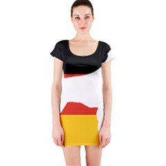 German Wirehaired Pointer Silo On Flag Short Sleeve Bodycon Dress