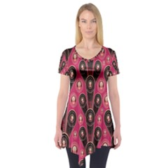 Background Abstract Pattern Short Sleeve Tunic