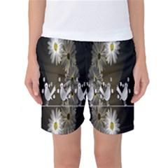 Daisy Bird  Women s Basketball Shorts