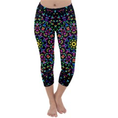 Fractal Texture Capri Winter Leggings