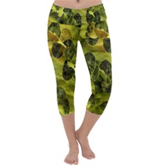 Olive Seamless Camouflage Pattern Capri Yoga Leggings