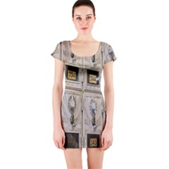 Post Office Old Vintage Building Short Sleeve Bodycon Dress