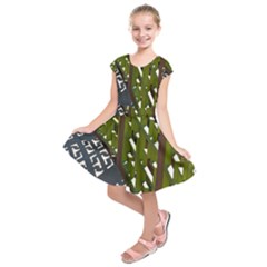 Shadow Reflections Casting From Japanese Garden Fence Kids  Short Sleeve Dress