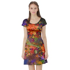 Abstract Flowers Floral Decorative Short Sleeve Skater Dress