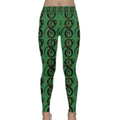 Abstract Pattern Graphic Lines Classic Yoga Leggings