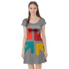 Arrows Center Inside Middle Short Sleeve Skater Dress