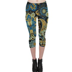 Retro Ethnic Background Pattern Vector Capri Leggings