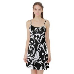 Vector Classical Traditional Black And White Floral Patterns Satin Night Slip