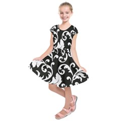 Vector Classical trAditional Black And White Floral Patterns Kids  Short Sleeve Dress