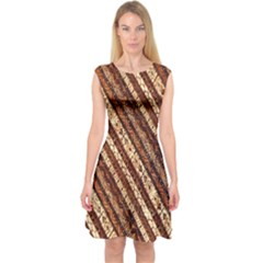 Udan Liris Batik Pattern Capsleeve Midi Dress