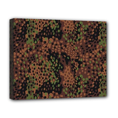 Digital Camouflage Deluxe Canvas 20  x 16