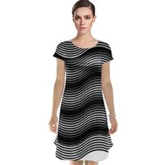 Two Layers Consisting Of Curves With Identical Inclination Patterns Cap Sleeve Nightdress