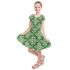 St Patrick S Day Damask Vintage Green Background Pattern Kids  Short Sleeve Dress