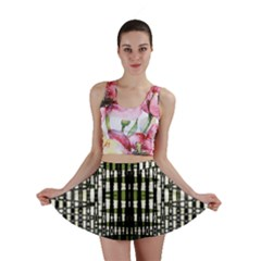 Interwoven Grid Pattern In Green Mini Skirt