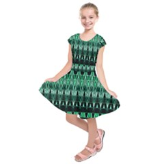 Green Triangle Patterns Kids  Short Sleeve Dress