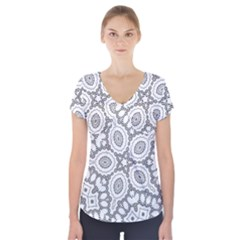 Scope Random Black White Short Sleeve Front Detail Top