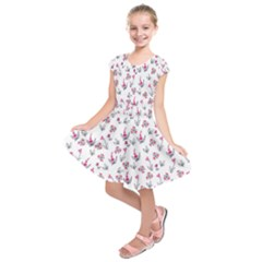 Heart Ornaments And Flowers Background In Vintage Style Kids  Short Sleeve Dress