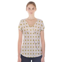 Pattern Background Retro Short Sleeve Front Detail Top