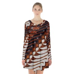 Traditional Batik Sarong Long Sleeve Velvet V-neck Dress