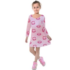Watercolor Kisses Patterns Kids  Long Sleeve Velvet Dress