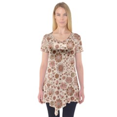 Retro Sketchy Floral Patterns Short Sleeve Tunic