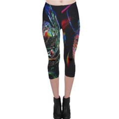 Abstraction Dive From Inside Capri Leggings