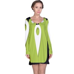 Location Icon Graphic Green White Black Long Sleeve Nightdress