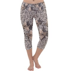 Paper cranes Capri Yoga Leggings