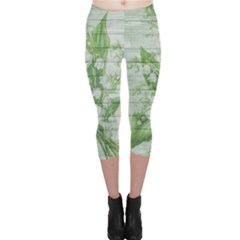 On Wood May Lily Of The Valley Capri Leggings
