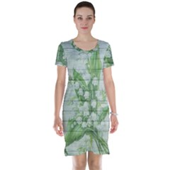 On Wood May Lily Of The Valley Short Sleeve Nightdress
