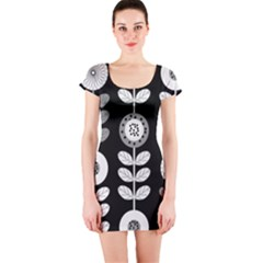 Floral Pattern Seamless Background Short Sleeve Bodycon Dress