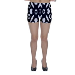 Abstract Background Pattern Skinny Shorts