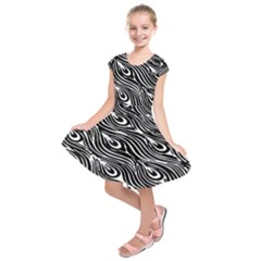 Digitally Created Peacock Feather Pattern In Black And White Kids  Short Sleeve Dress