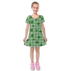 St. Patrick s day pattern Kids  Short Sleeve Velvet Dress