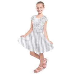 Hand Drawn Lines Pattern Kids  Short Sleeve Dress