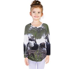 Treeing Walker Coonhound In Water Kids  Long Sleeve Tee