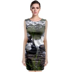 Treeing Walker Coonhound In Water Sleeveless Velvet Midi Dress