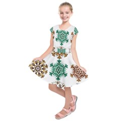 A Set Of 9 Nine Snowflakes On White Kids  Short Sleeve Dress
