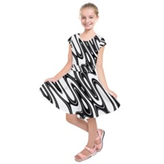 Black And White Wave Abstract Kids  Short Sleeve Dress
