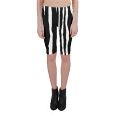Zebra Background Pattern Cropped Leggings